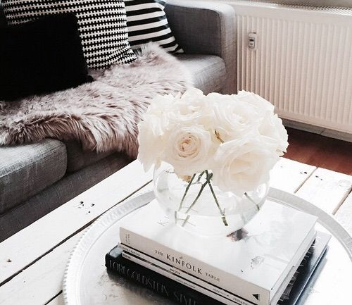 Image via We Heart It #chic #decor #decoration #design #DesignInspiration #details #house #inspiration #interior #InteriorDesign #interior_design #livingroom #love #modern #nordic #norway #pretty #roses #scandinavia #style #sweden #white #interiør #homedecor #shabbychic #interiorinspiration #roomforinspo #interiorforinspo #interiorstyling #dagensinteriör #dagensinteriør