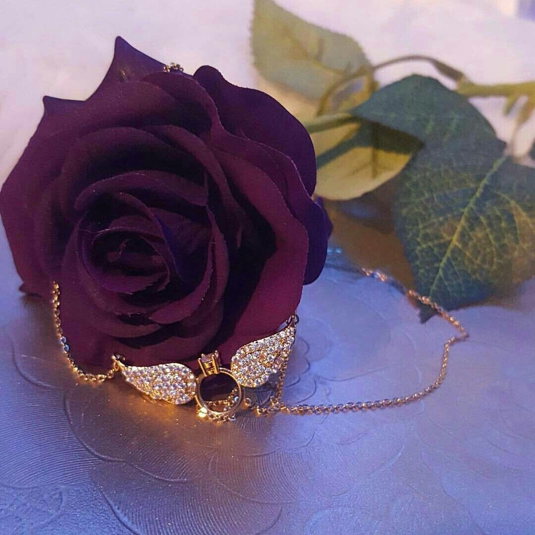 Pin By Dramaqueen37 On Facebook20 Profile Picture For Girls Jewelry Lover Beautiful Roses