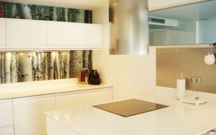 Decoración diseño impreso instalado sobre frontal de cocina ...