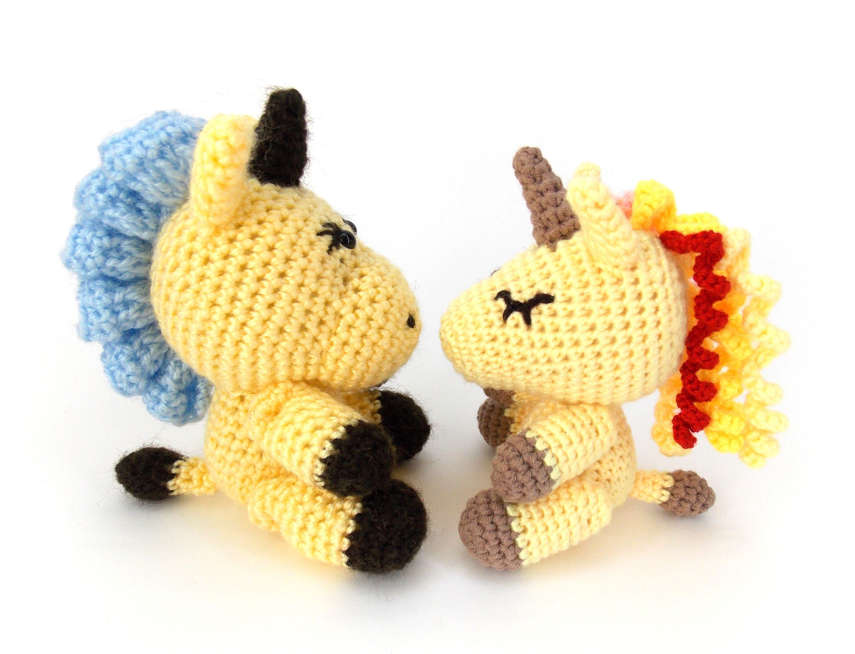 Knitted unicorn, little unicorns, magic horse, crochet unicorn, horse toy, plush unicorn, pair of unicorns, knitted horse, unicorns in love #littleunicorn
