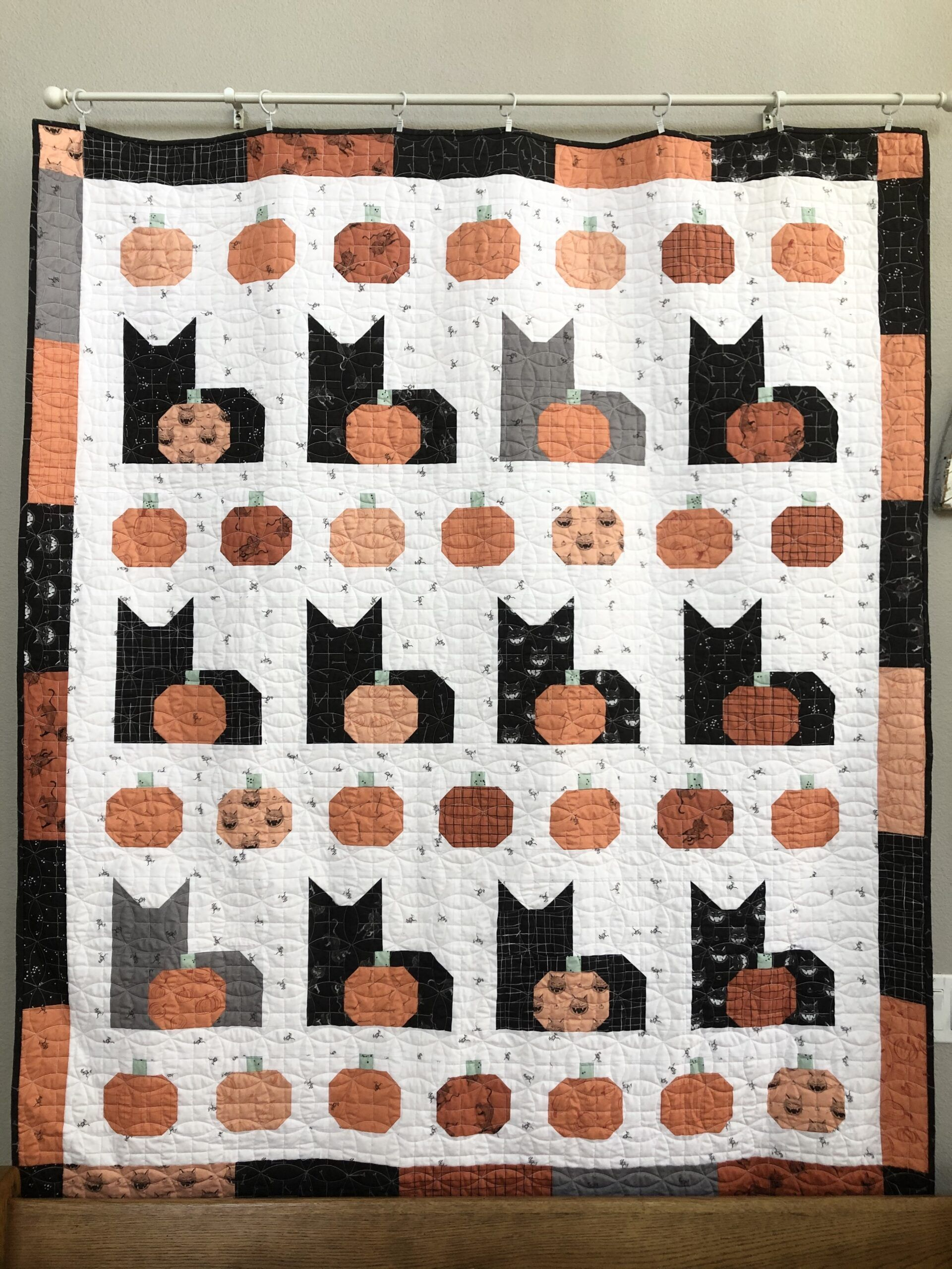 Halloween Quilts, Patterns 2020 Pumpkins and Cats Quilt Pattern in 2020   Cat quilt patterns