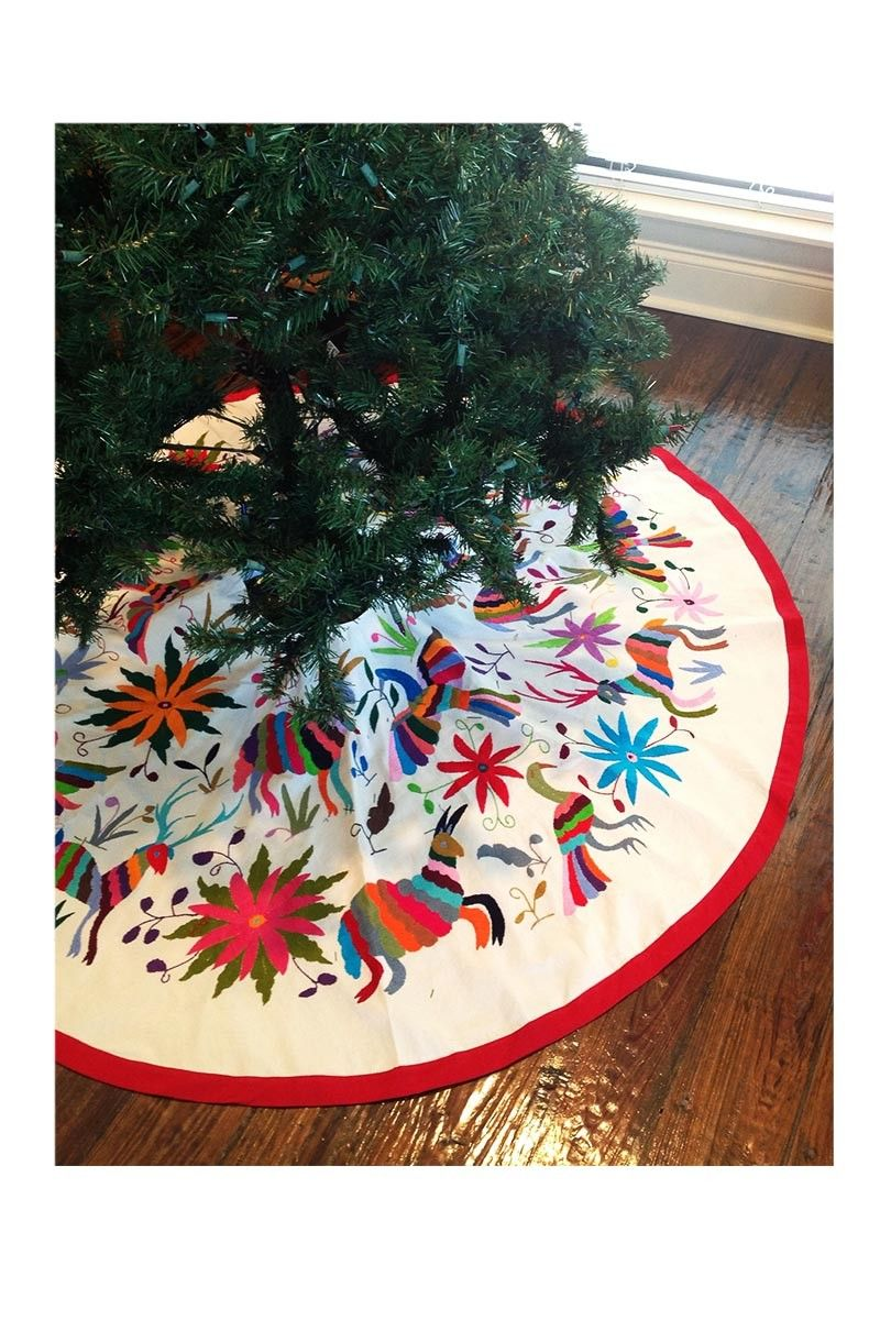 320 00 Handmade Otomi Embroidered Christmas Tree Skirt Multi Color Con Imagenes Navidad Mexicana Adornos Navidenos Hechos A Mano Arbol De Navidad Manualidades