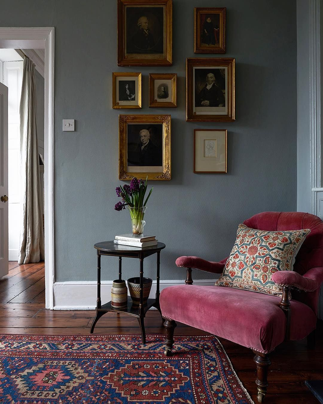 Cosy Living Room Colours: Love The Wall Color And The Cozy Corner Feeling. In 2019