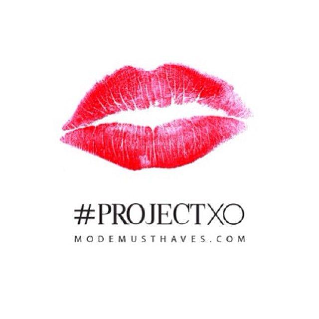 Prepare to be kissed…. is de tweede hint van ons #ProjectXO ;-) Hebben jullie al enig idee?  www.modemusthaves.com
