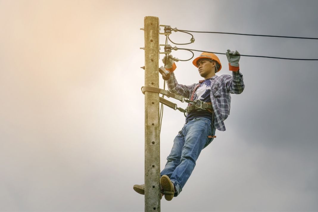 A complete guide on how to a lineman in 2020 how