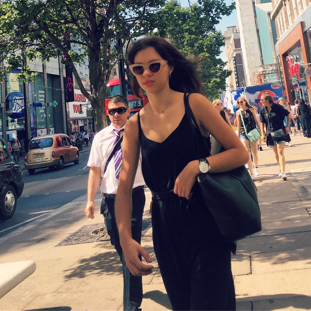 Oxford Street! #streetstyle #oxfordstreet #oxfordstreetstyle @oxfordstreetw1 @london @troy_wise @5by5forever #london #londonstyle #ldn #fashionmeetsthestreets #iastreetstyle #streetsoflondon #style #fashion #fashionphotography #fashionblogger #streetphotography #humansoflondon #loveit #fashionable #uk #britishfashion #summer2016 #2016 #ia #candid #thisislondon #instalike #instafashion #instastyle #rickguzman #troywise