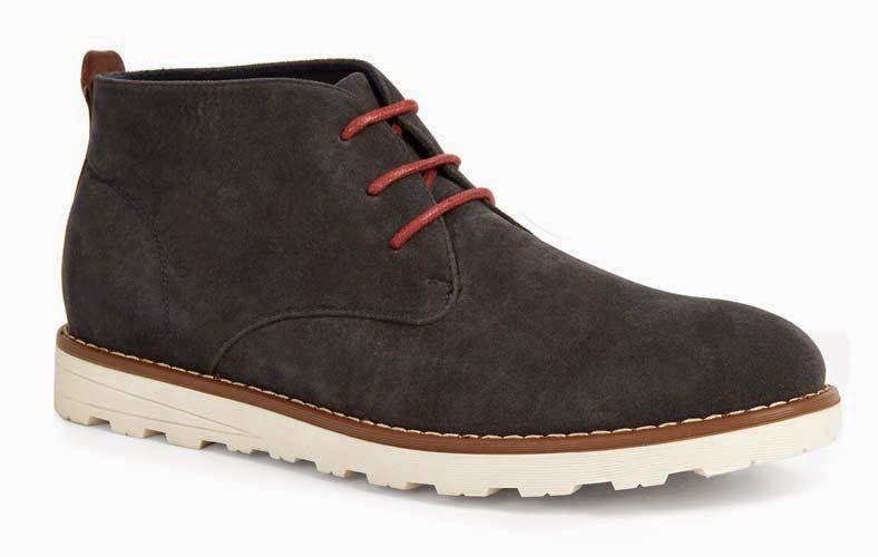 04e5891744173 Zapatos en negro con cordones rojos para hombre - Moda en Calle ...