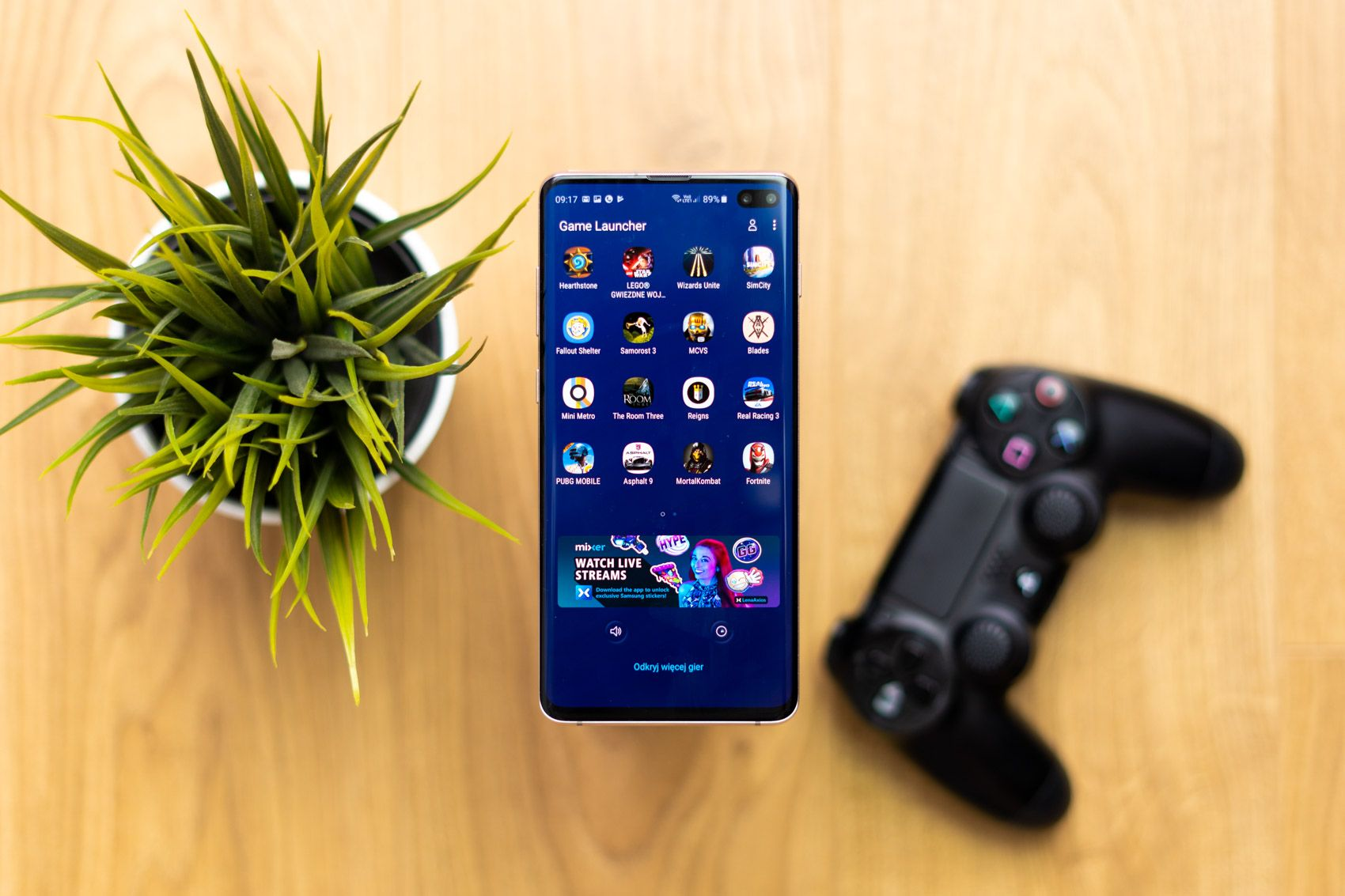 How many games will the Samsung Galaxy S10 + Performance Edition fit