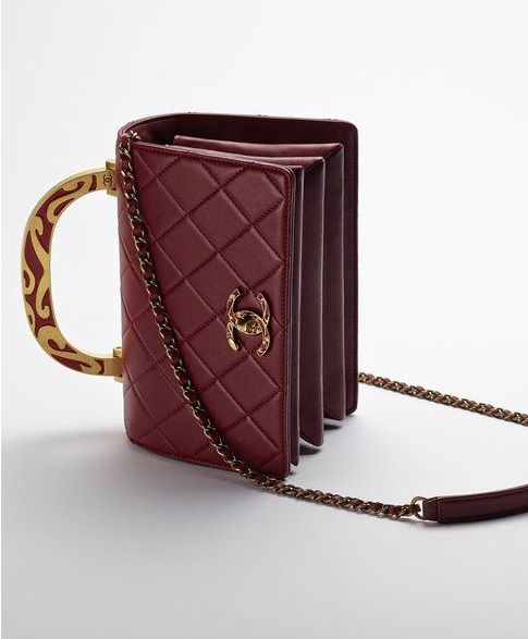 8927597dbefc99 Chanel Flap Bag in calfskin with Enamel Handle | Duchess of ...