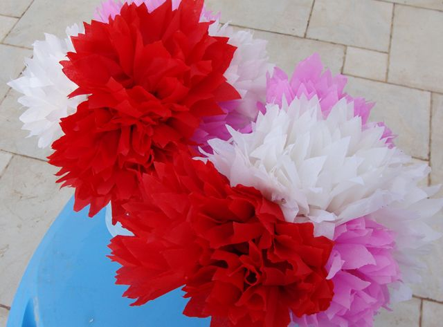 Mexican style crepe paper flowersgorgeous crepe paper party make these beautiful flowers from crepe paper party ideas kids never forget mightylinksfo