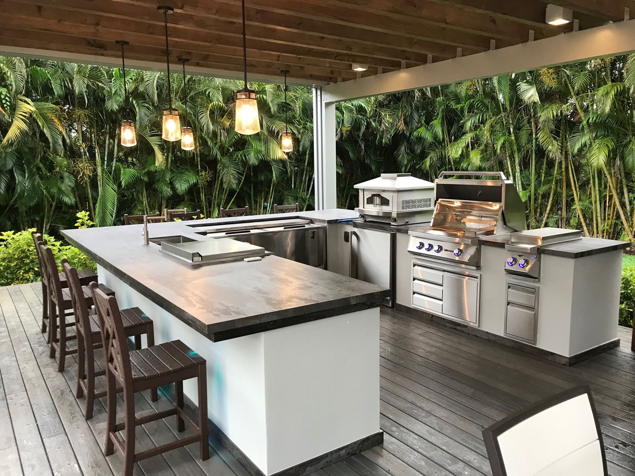 This is a custom outdoor kitchen by Luxapatio. South ...