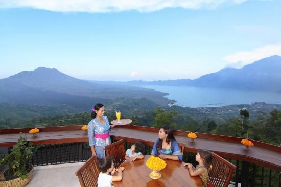 Family Dining On The Lower Deck Of Lakeview Restaurant Lakeview Restaurant Bali Restaurant Bali