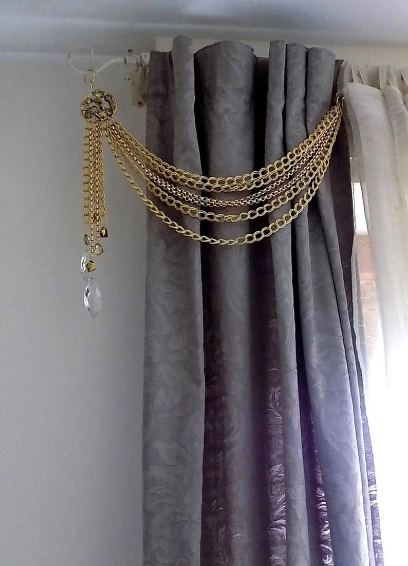 Luxury Gold Drapery Holder Gold Chain Bohemian Crystals Decorative Curtain Holder Tie Back With Golden Chains In 2020 Curtain Decor Curtain Designs For Bedroom Beautiful Curtains