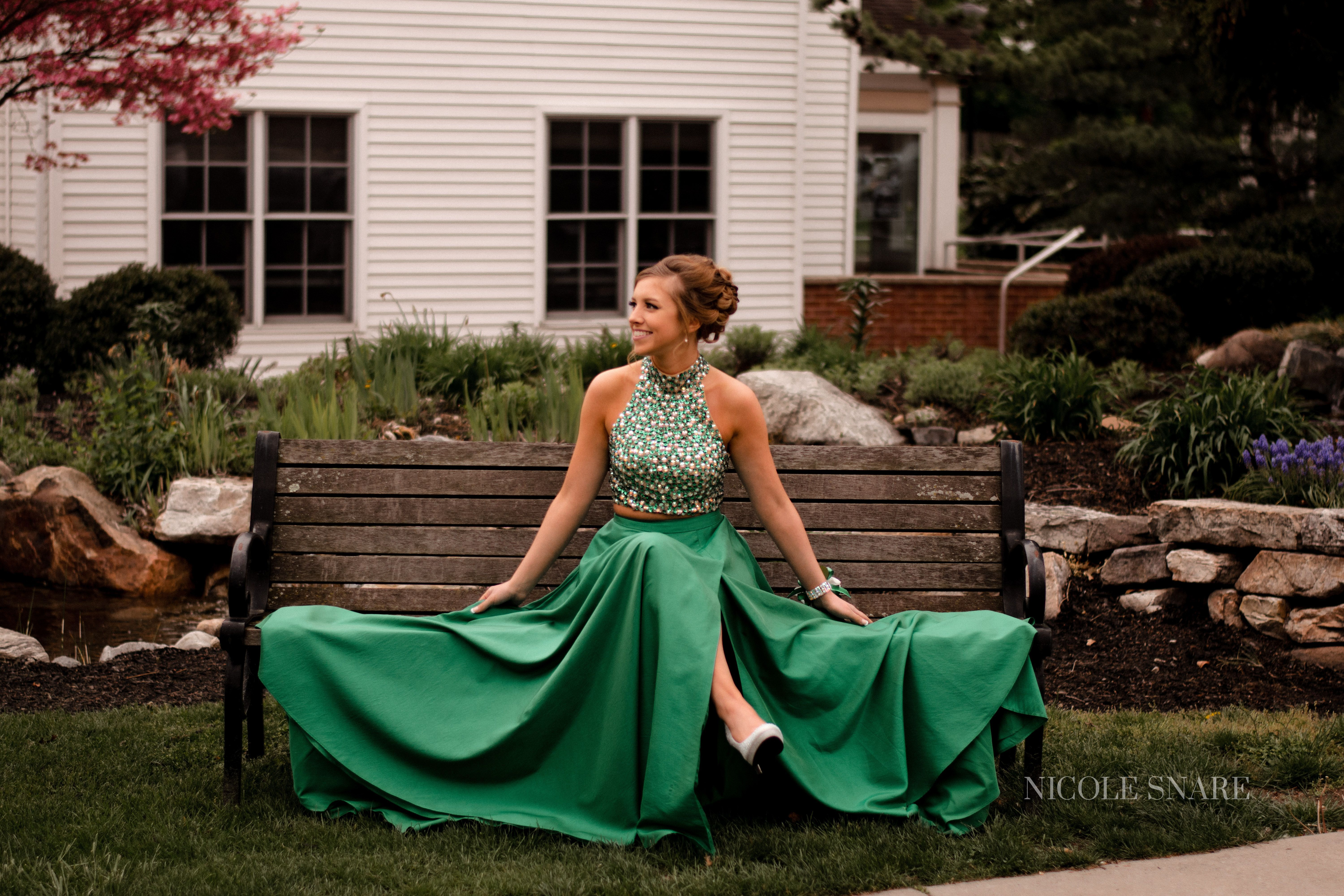 Prom 2017 - prom poses, prom dresses, nicole snare photography #prompicturescouples #promphotographyposes