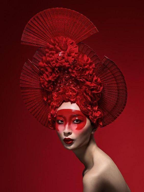 About life . Avant Garde en 2019 Mode rouge, Couleur