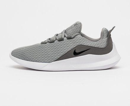 köp sneakers online