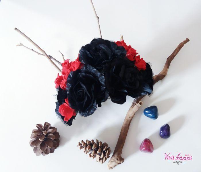 Oi! De volta com mais uma postagem.  Hoje gostaria de compartilhar com vocês a tiara de flores (e galhos) que usei nesse halloween.  Queria ...