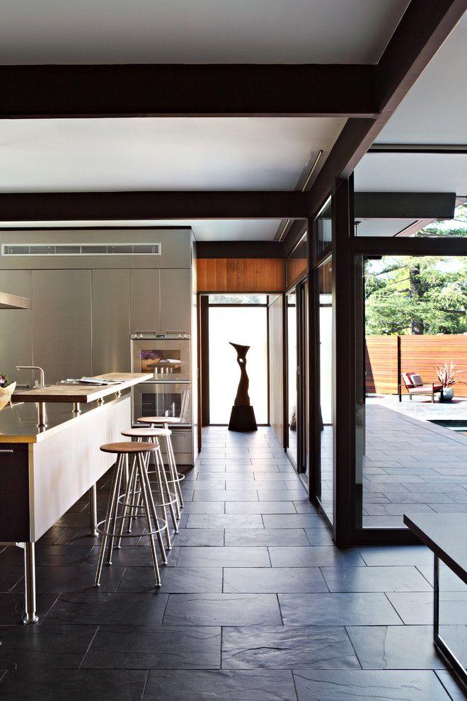 Modernismo orgnico na casa californiana La Caada