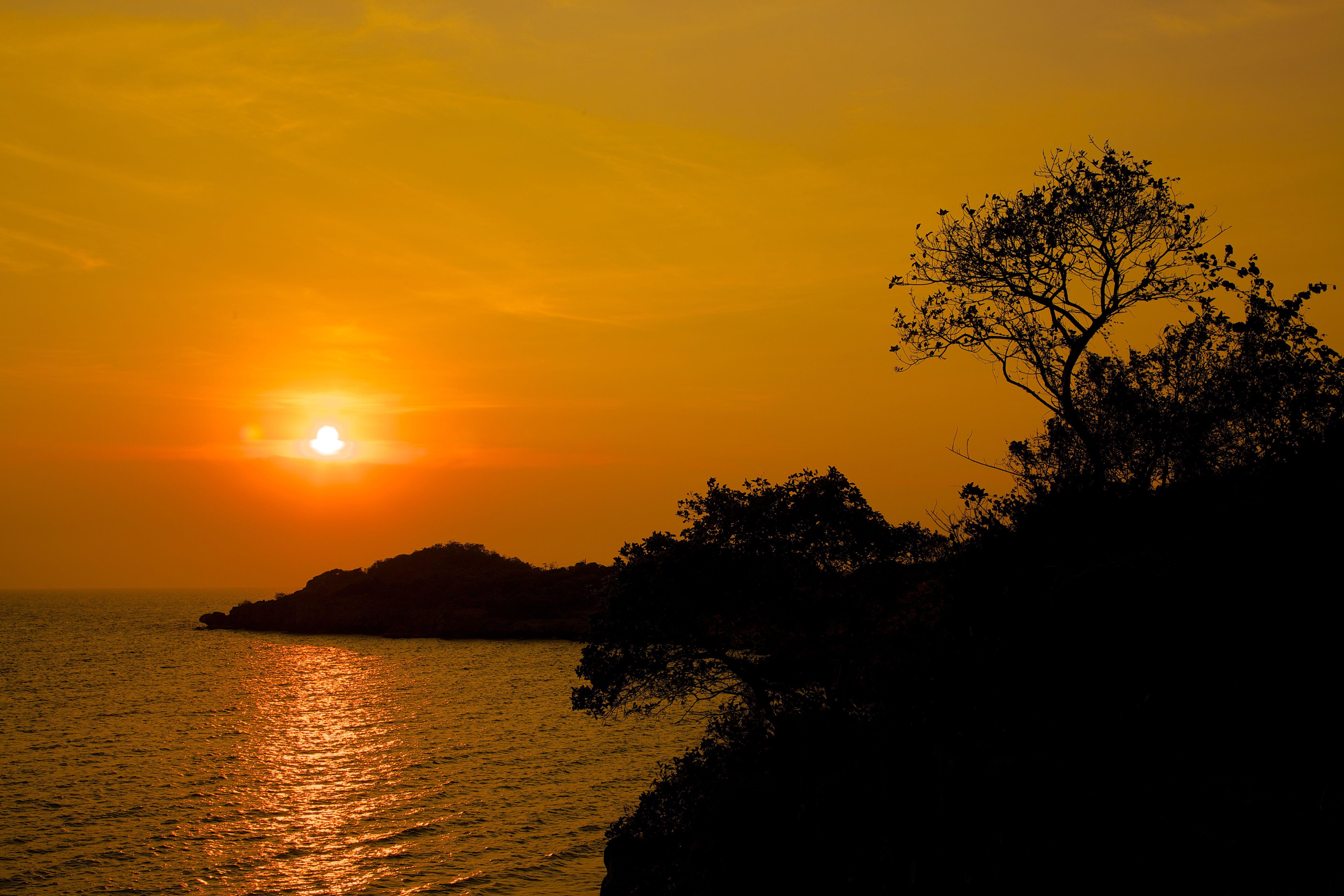 sunrise @ Si Chang Island