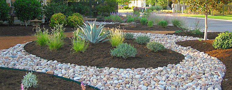 Rock With Mulch Cheap Landscaping Ideas River Rock 400 x 300
