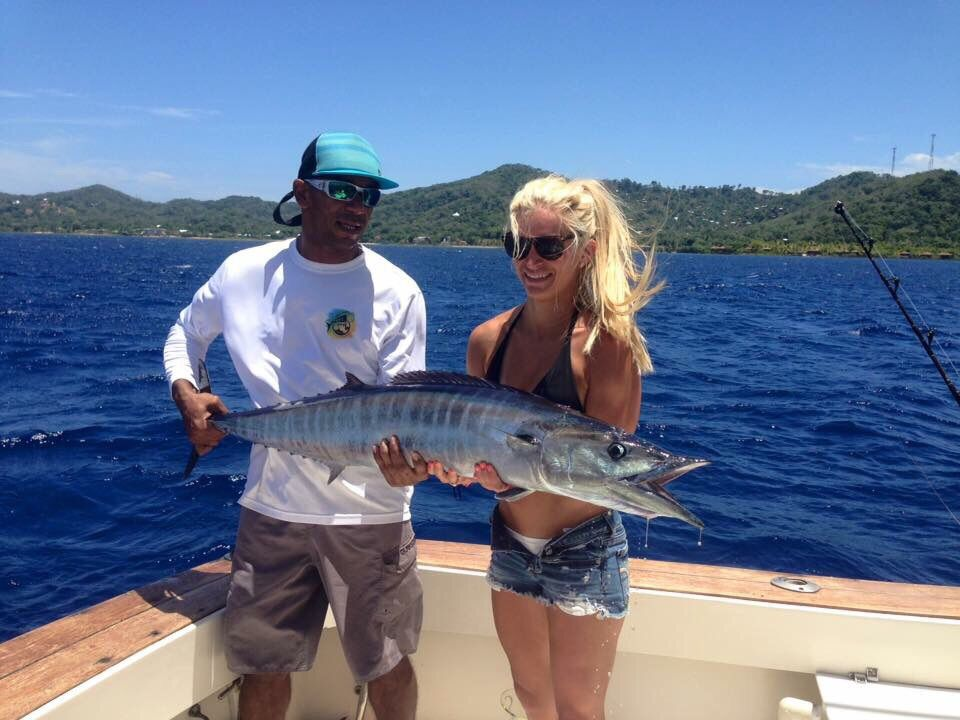 Book your next roatan fishing trip with west bay tours for Fish and trip