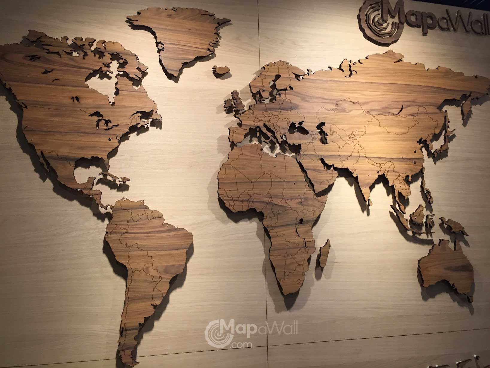 World map palisander gumiabroncs Gallery
