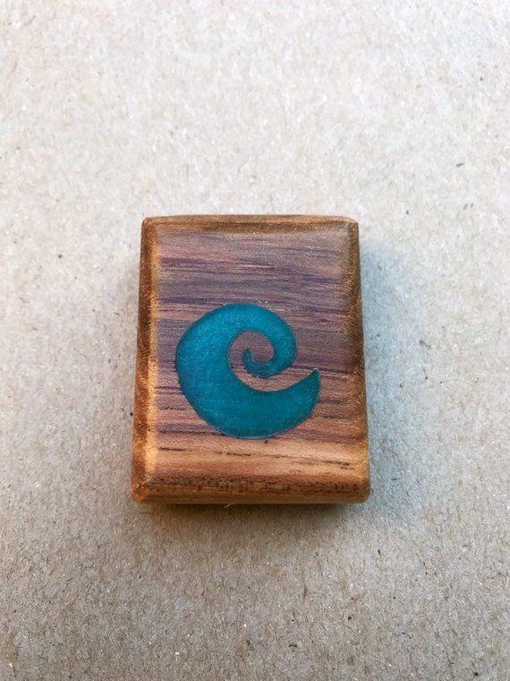 Wood and resin pendant   Resin pendant, Wood, Wood pallets