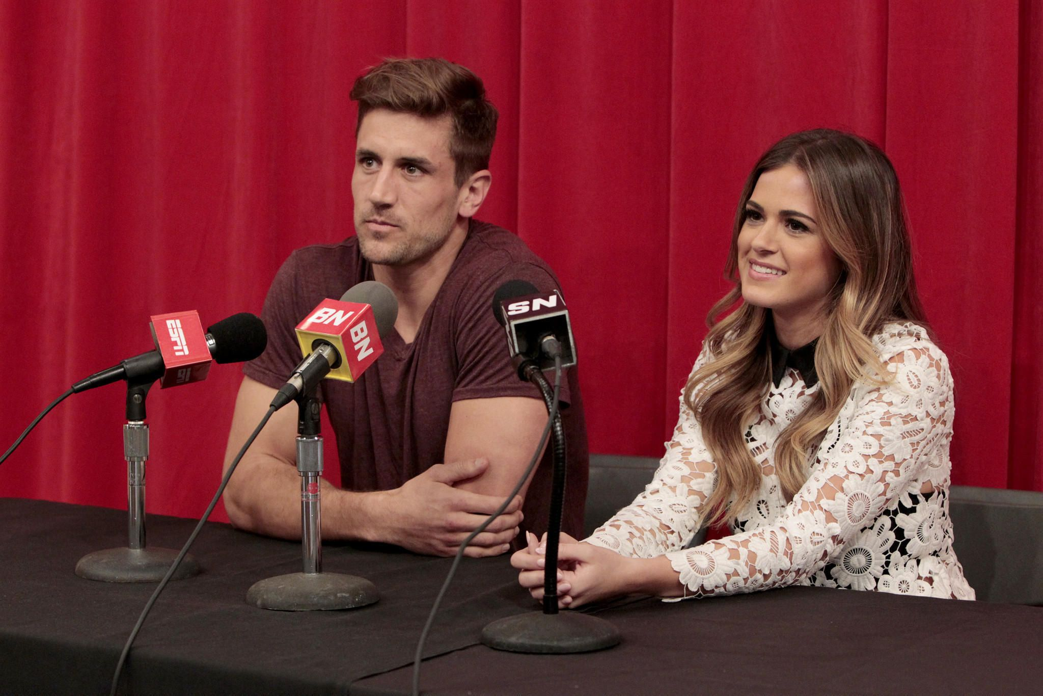Jordan Rodgers Slams Brother And Nfl Star Aaron Rodgers On The Bachelorette Jordan Rodgers Pitch Perfect Bachelorette