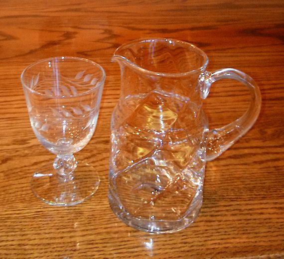 Small Glass Pitcher   Lightweight Pitcher   Glass Tea Pitcher   Lip Spout    Vintage
