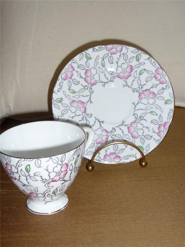 English Castle Bone China Tea Cup Saucer White Pink