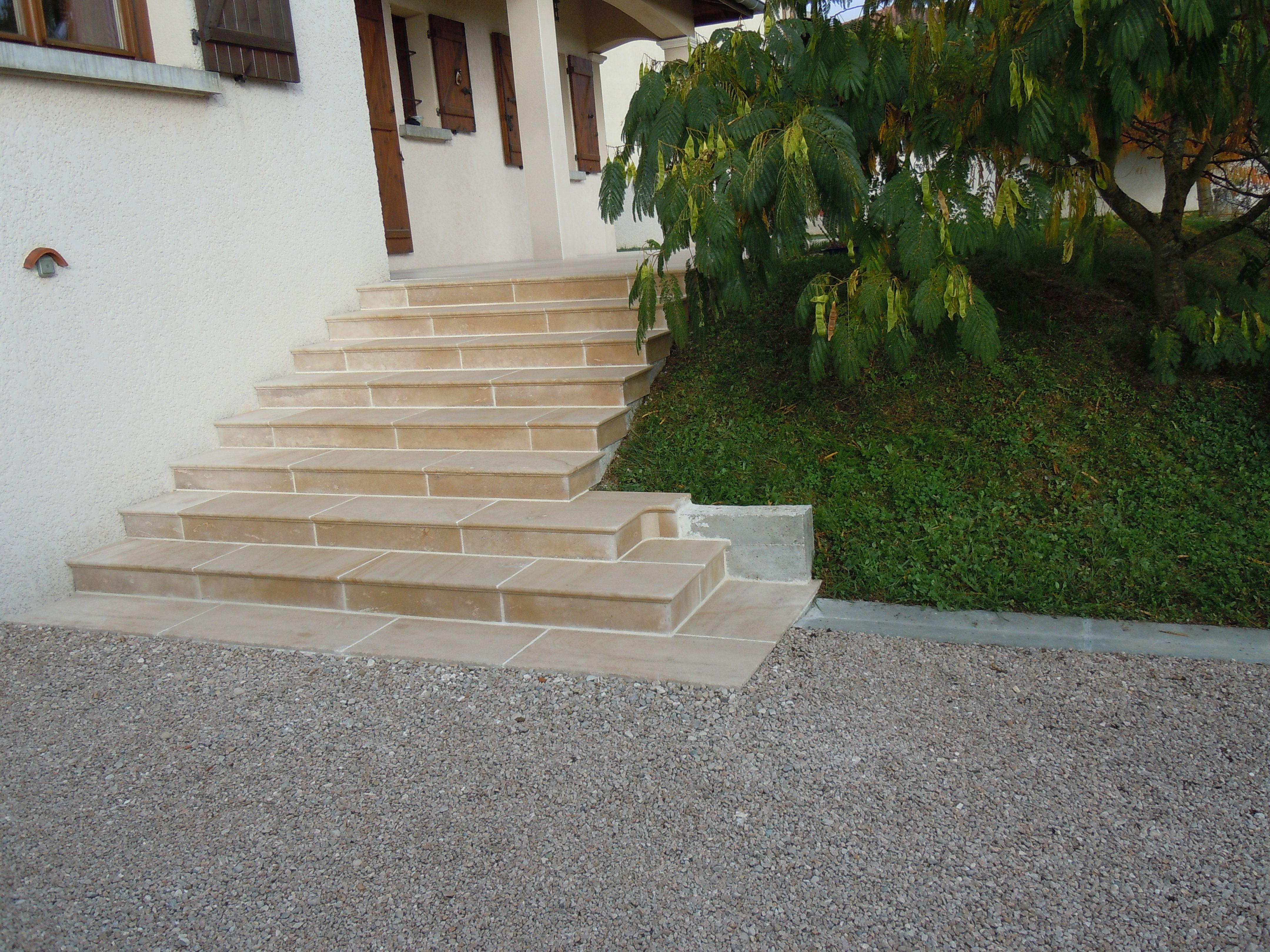 Habillage D Un Escalier Beton Par Des Marches Et Contremarches En Pierre Naturelle De Bourgogn Habillage Escalier Carrelage Pierre Naturelle Escalier Exterieur
