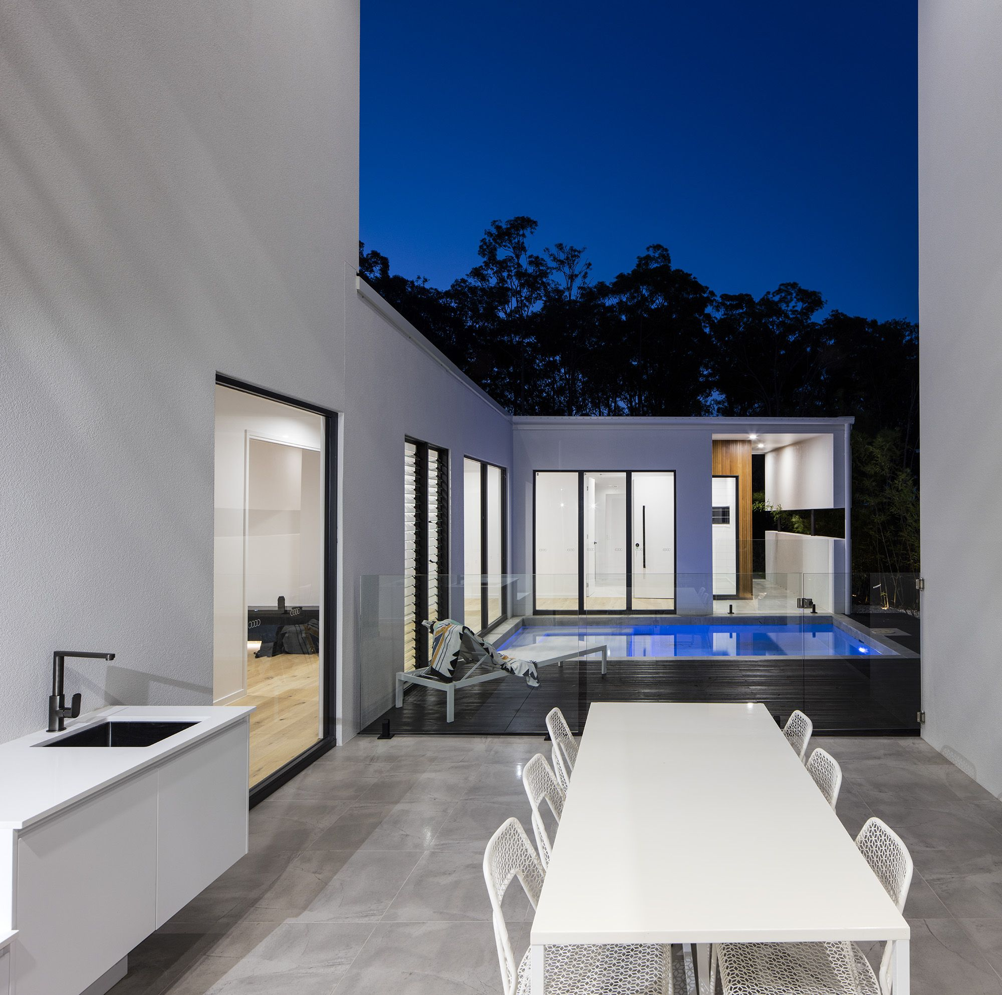 Featured by immackulate designer homes the peregian springs project located on sunshine coast qld australia designerhome architecture also sky as blue pool rh pinterest
