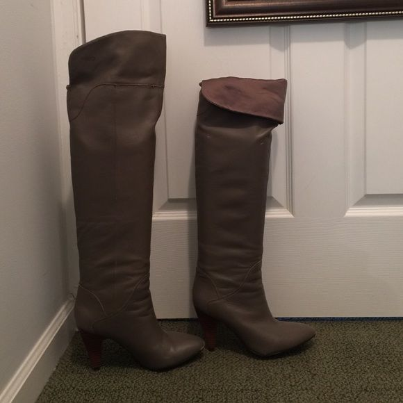 Knee high guess boots 21/2 heel 21/2 heel knee high or can wear below the knee. Taupe / gray color leather. A little worn at the front of the boot.  As seen in the photos. Guess Shoes Over the Knee Boots