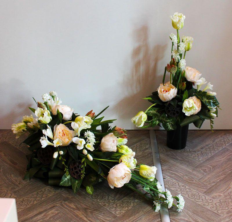 Komplet Dekoracji Nagrobnych Sztuczne Kwiaty I Dodatki Funeral Flower Arrangements Flower Arrangements Floral Arrangements