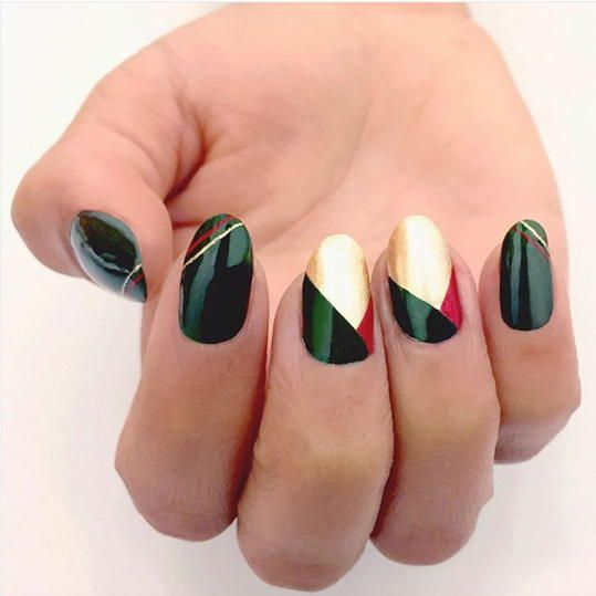 25 Festive Christmas Nail Ideas That Ll Have You Fa La La Ing In Love Christmas Nails