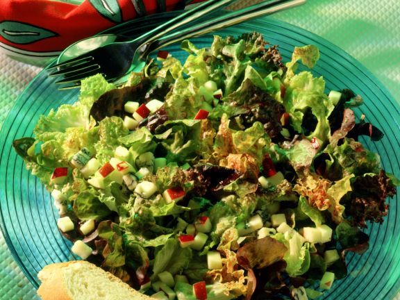 Gemischter Blattsalat ist ein Rezept mit frischen Zutaten aus der Kategorie Salat. Probieren Sie dieses und weitere Rezepte von EAT SMARTER!