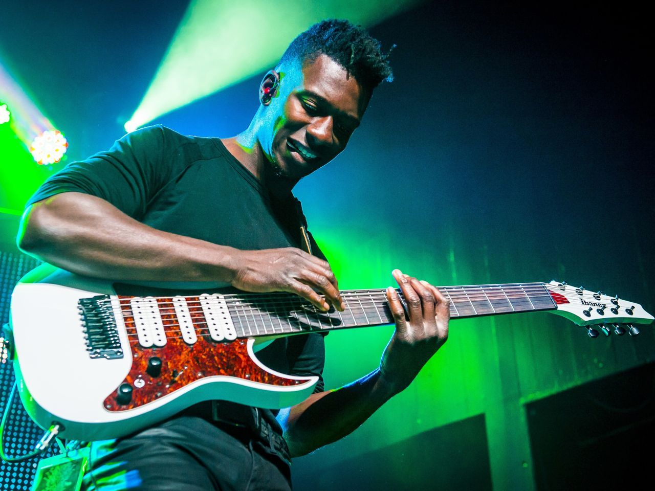 Interview Animals As Leaders Tosin Abasi Musicradar Tosin Abasi Guitar Playing Guitar