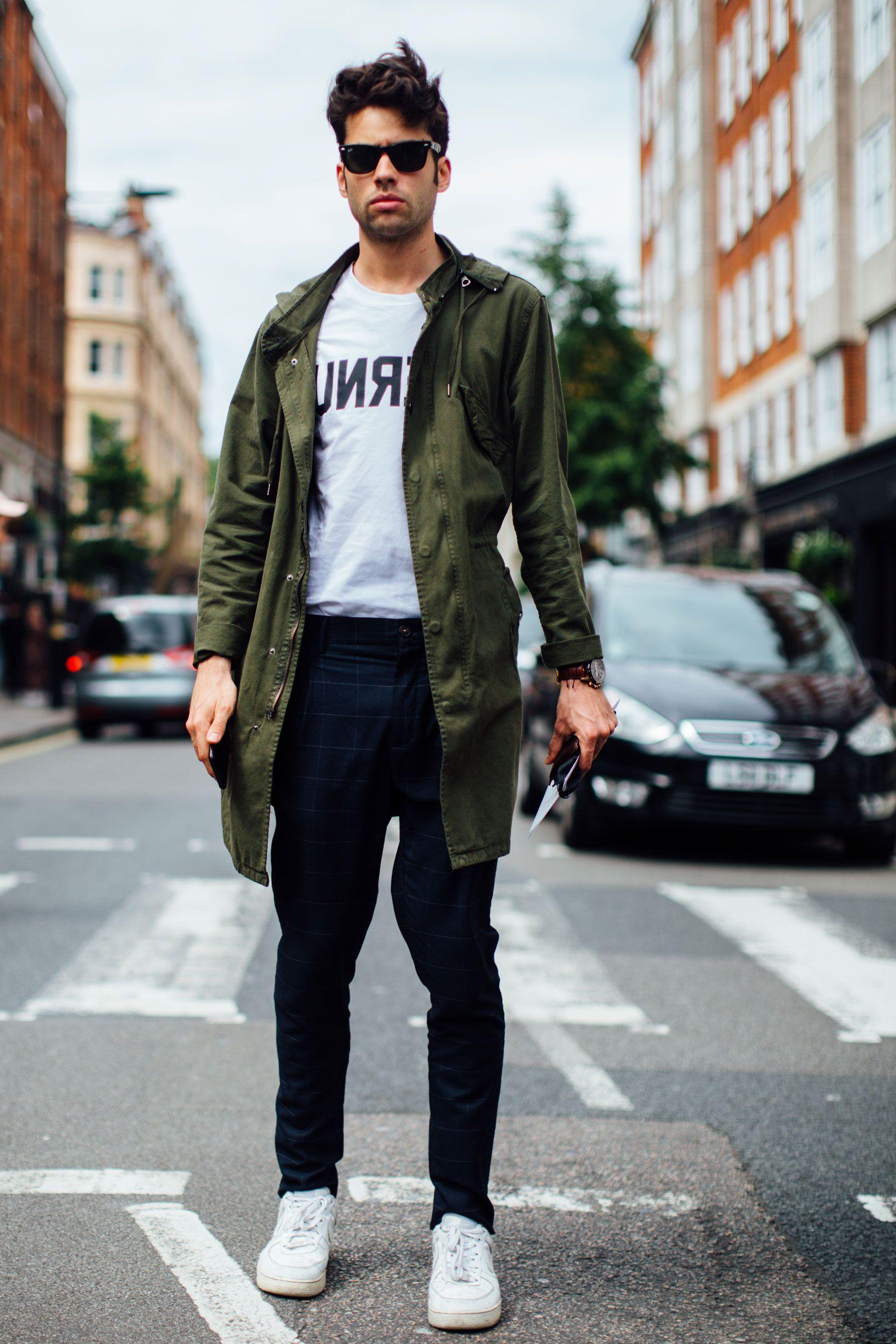 410edd09fa5 London Fashion Week Men's Street Style Spring 2018 Day 4   Men's ...