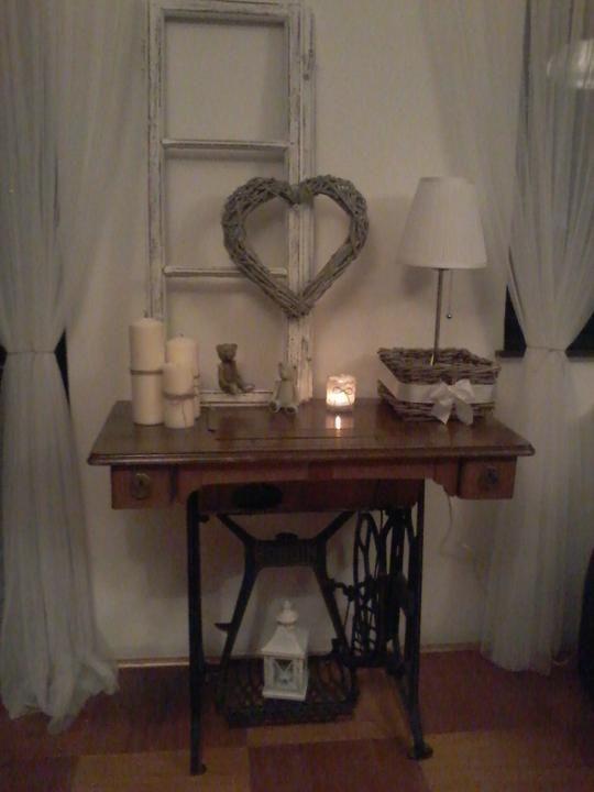 pin von doris schwarz auf shabby in 2018 pinterest deko dekorieren und n hmaschinentisch. Black Bedroom Furniture Sets. Home Design Ideas