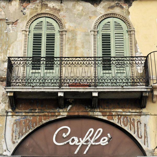 Caffe a Verona von Arts-et-Metiers auf DaWanda.com Tolles Foto von meiner Schwester Regine Peter!