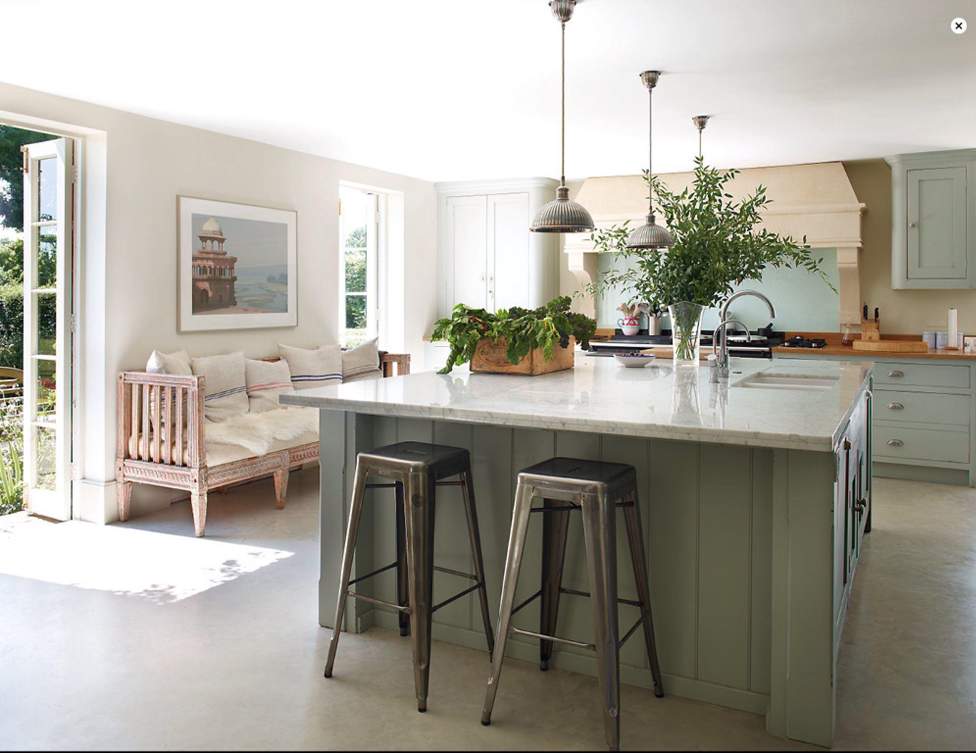 Cool kitchen trends elle decor on new trends in kitchen design - Jemma Kidd S English Country House Kitchen In Elle Decor April 2014 Elledecor Com French Benchkitchen Trendskitchen