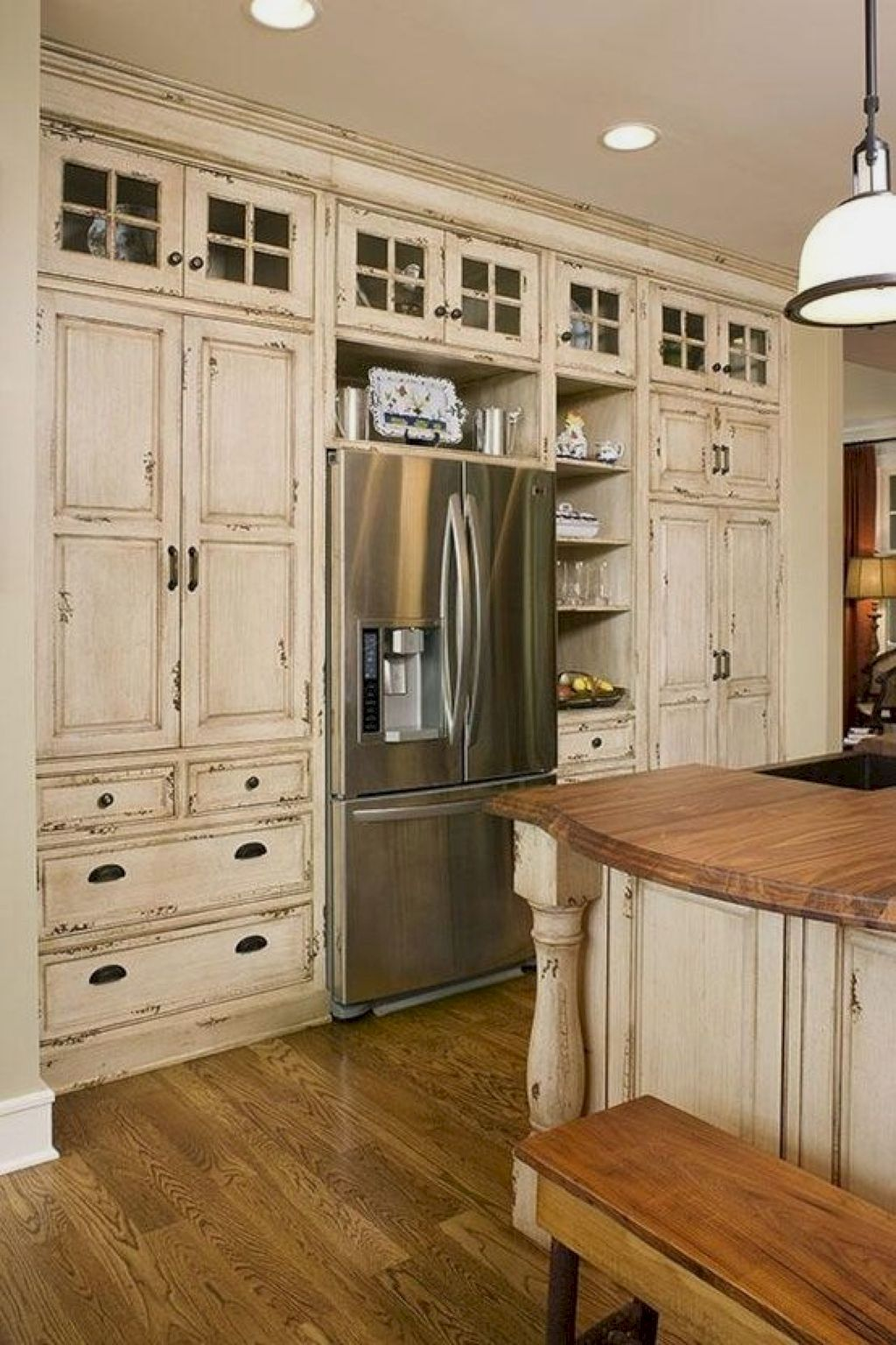 Industrial Decorating Ideas And Tips Farm Style Kitchen Farmhouse Kitchen Decor Modern Farmhouse Kitchens