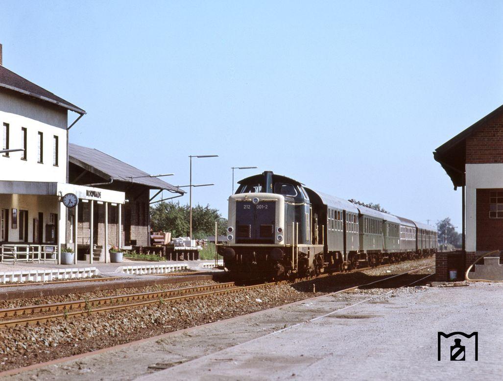 21 21 mit N 21 auf der Strecke Münster   Gronau im Bahnhof ...