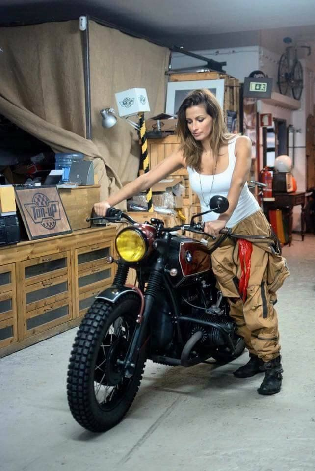 Motor Carroceria Drive Road Fast Driving Car Auto Coche Conducir Comprar Vender Clicars Buenamano Cert Biker Girl Cafe Racer Girl Motorbike Girl