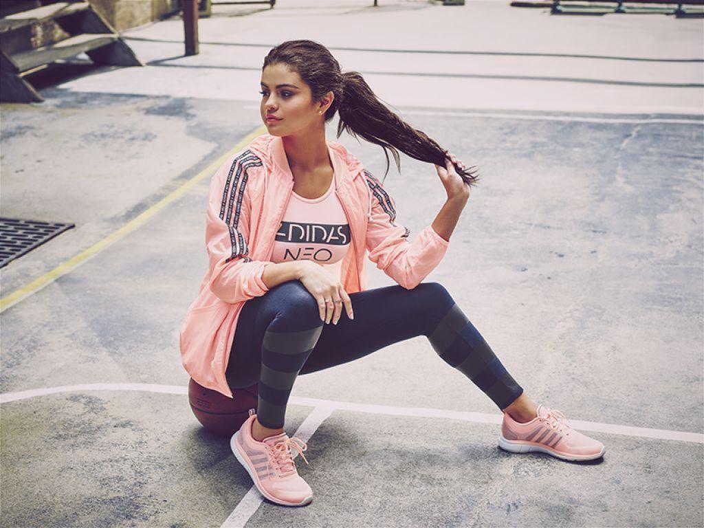 Adidas Neo   Jacke Selena Gomez   Gr. L