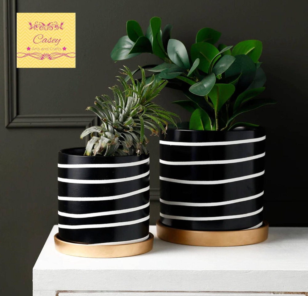 Modern Black And White Ceremic Planter With Drainage And Rose Gold Base Ceramic Planter Indoor Planter Pot Planter Free Usa Shipping In 2020 White Planters Planter Pots Indoor Planters