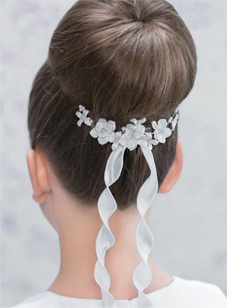 Girl Hairstyles Communion Bun Updos Communion Hairstyles First Communion Hairstyles Kids Hairstyles