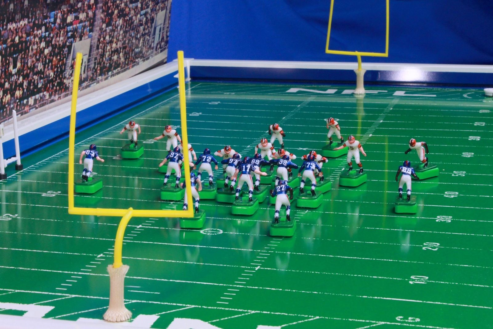 NFL Browns and Giants on a late 1960's Tudor No. 620 model. | Electric  football, Vintage football, Football images