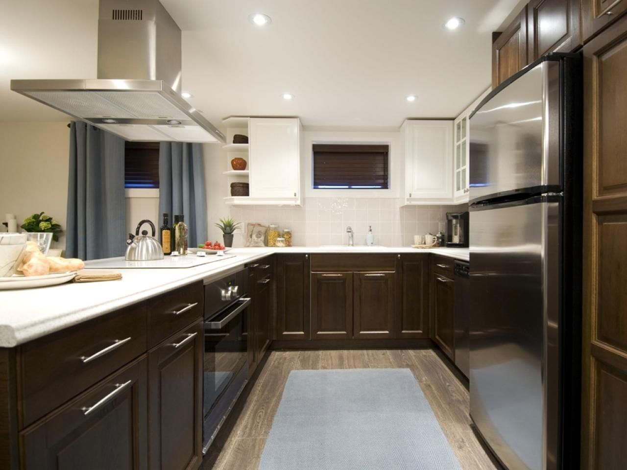Two Tone Kitchen Cabinet With Lovely Design Ideas  Idea Paint Extraordinary Kitchen Cabinets Color Combination Design Decoration