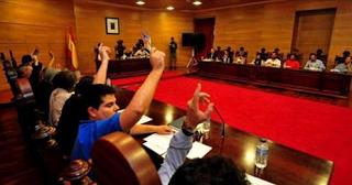CORES DE CAMBADOS: TENSIÓN NO PLENO DE ONTE